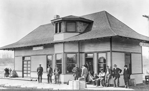 delburne-12 Train station 1913.jpg